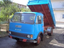 OM three-way side tipper van