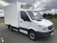 Mercedes negative trailer body refrigerated van