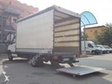 Furgoneta caja abierta plataforma con toldo Iveco