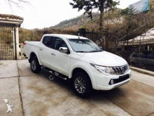 automobile pick up Mitsubishi