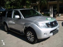 automobile pick up Nissan
