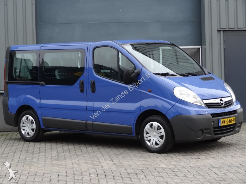 voiture opel vivaro 2 0cdti 9pers airco occasion n 1933353. Black Bedroom Furniture Sets. Home Design Ideas