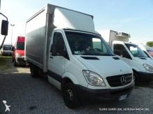furgoneta con lona Mercedes