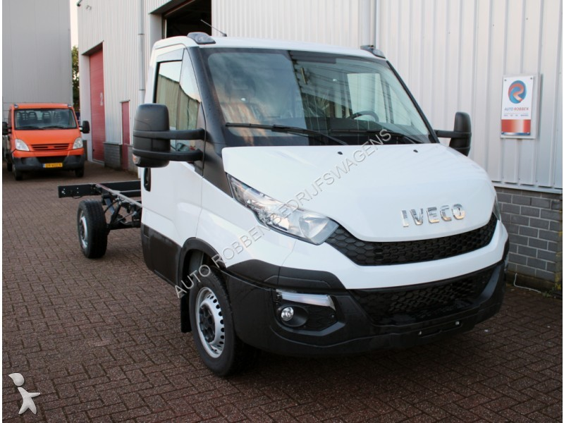 utilitaire ch ssis cabine iveco daily 35s17 3 0 hpt airco 375 chassis cabine ni occasion n 1976623. Black Bedroom Furniture Sets. Home Design Ideas
