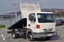 carrinha comercial basculante Nissan