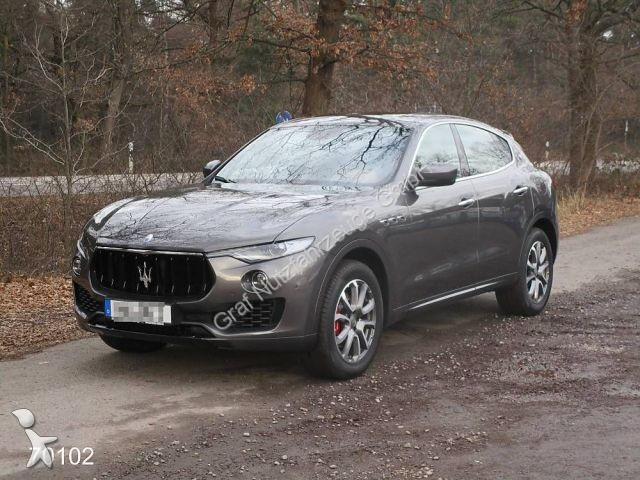 voiture maserati 4x4 suv levante diesel sport paket occasion n 1983875. Black Bedroom Furniture Sets. Home Design Ideas