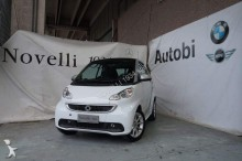 carro berlina Smart