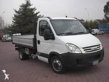 furgoneta volquete volquete trilateral Iveco