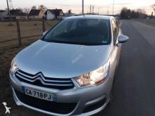 samochód osobowy Citroën