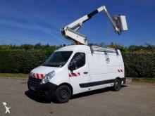 utilitaire nacelle articulée télescopique Renault