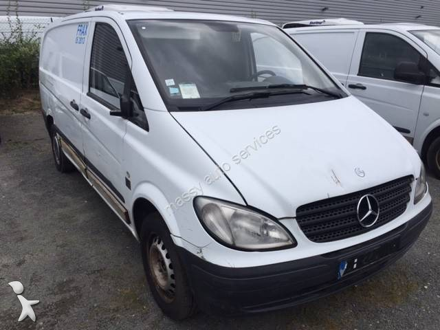 utilitaire frigo mercedes caisse positive vito 109 cdi gazoil occasion n 2039085. Black Bedroom Furniture Sets. Home Design Ideas