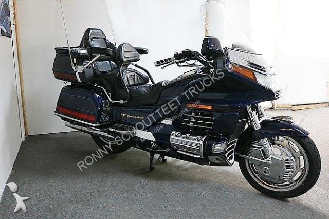 voiture honda berline gold wing gl 1500 se goldwing gl 1500 se top zustand essence occasion. Black Bedroom Furniture Sets. Home Design Ideas