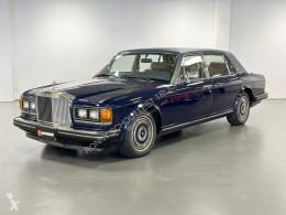 voiture berline Rolls-Royce