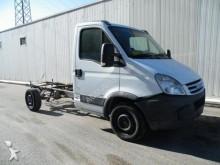carrinha comercial chassis cabina Iveco