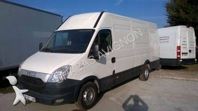 fourgon utilitaire iveco daily 35s11v 4x2 gazoil occasion n 2277057. Black Bedroom Furniture Sets. Home Design Ideas