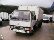 furgoneta con lona Mitsubishi