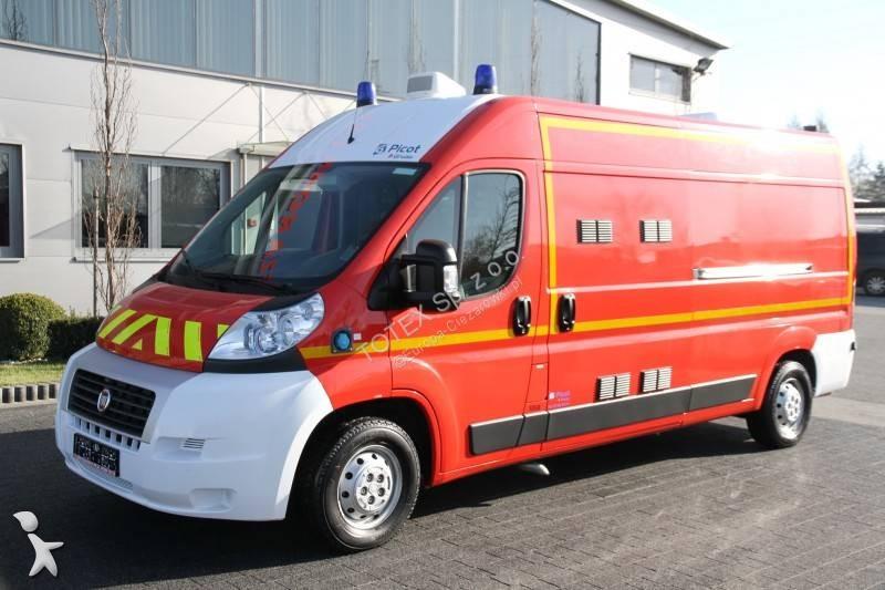ambulance fiat 1 annonces de ambulance fiat d 39 occasion en vente. Black Bedroom Furniture Sets. Home Design Ideas