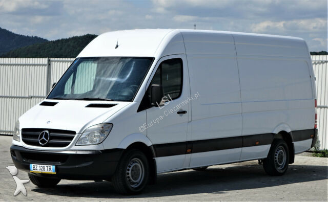 Véhicule utilitaire Mercedes Sprinter 318 cdi Kastenwagen hoch+lang