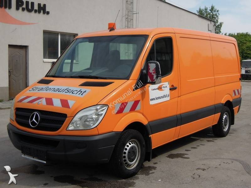 Pojazd dostawczy Mercedes