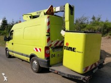 Renault telescopic articulated platform commercial vehicle