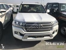 Toyota Land Cruiser 200 GXR 18