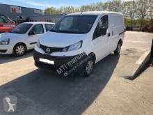 véhicule utilitaire Nissan NV200