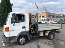 camioneta standard Nissan