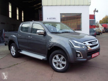 masina pick-up Isuzu