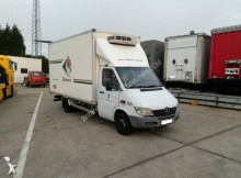 Mercedes negative trailer body refrigerated van