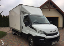 véhicule utilitaire Iveco 35-160 kontener+winda 2017r.