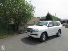 Toyota Land Cruiser GXR V8