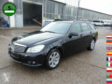 voiture berline Mercedes