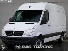 bedrijfswagen grote bak Mercedes