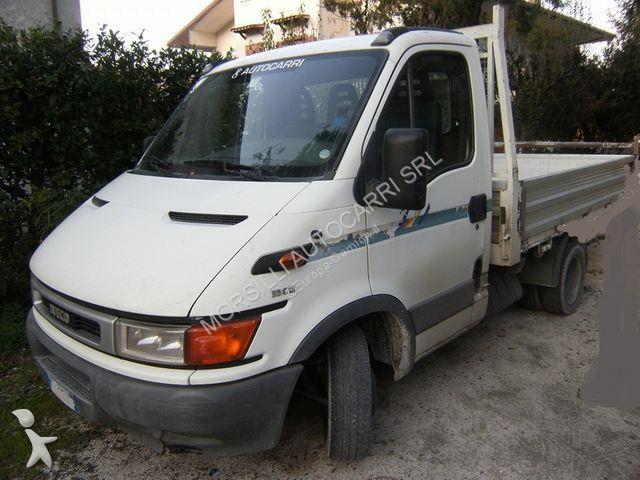 Vedeţi fotografiile Vehicul utilitar Iveco 35C10