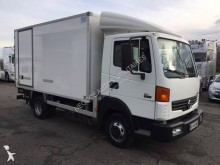 Nissan negative trailer body refrigerated van