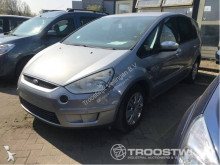 véhicule utilitaire Ford S-Max