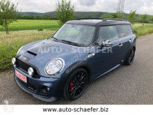 voiture berline Mini