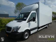 furgon dostawczy Mercedes