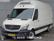 dostawcza skrzynia o dużej pojemności Mercedes