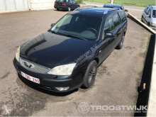 véhicule utilitaire Ford Mondeo