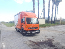 ciężarówka Plandeka Nissan
