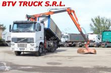 vrachtwagen driezijdige kipper Volvo