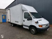 лекотоварен фургон с голям обем Iveco