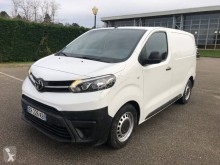 furgon dostawczy Toyota