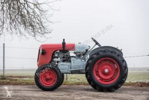 селскостопански трактор старо ремарке седан Lamborghini