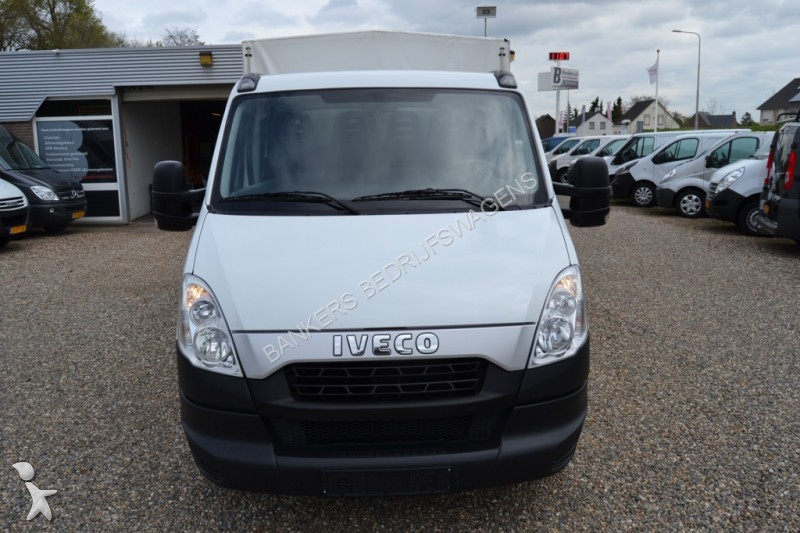 utilitaire ch ssis cabine iveco daily 35 s 15 pick up dubbele cabine huifopbouw occasion n 1647316. Black Bedroom Furniture Sets. Home Design Ideas