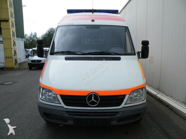 ambulance mercedes sprinter 211cdi rettungswagen ambulance. Black Bedroom Furniture Sets. Home Design Ideas