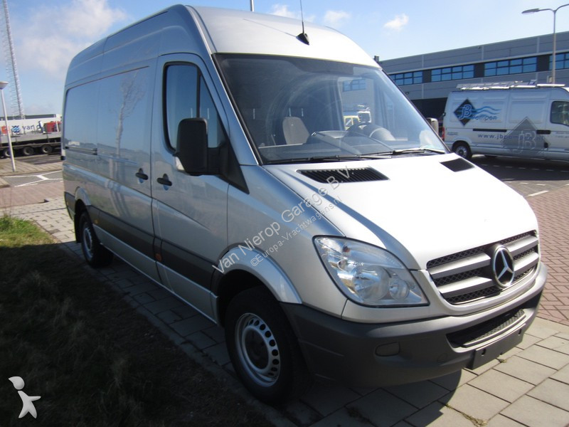 fourgon utilitaire mercedes sprinter 315 cdi l2h2 occasion n 2404221. Black Bedroom Furniture Sets. Home Design Ideas