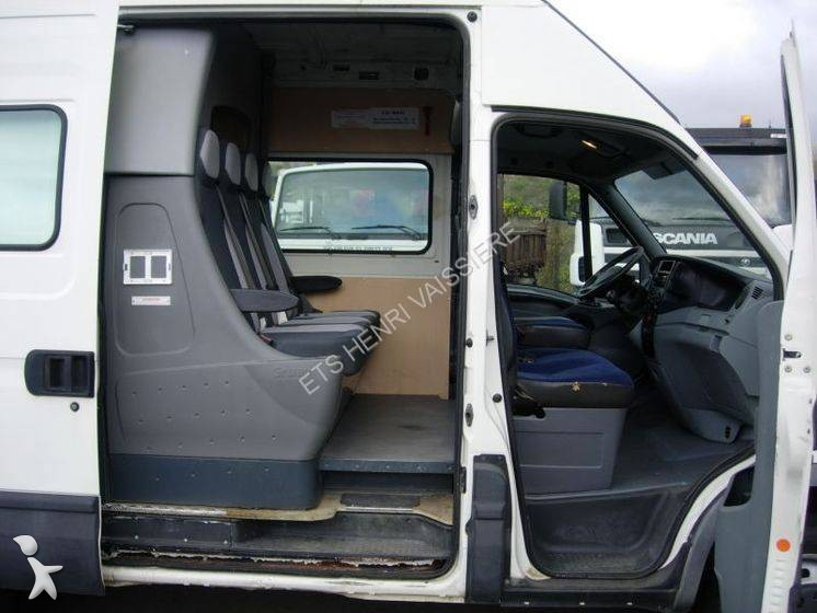 fourgon utilitaire iveco daily 35c12 occasion n 1902621. Black Bedroom Furniture Sets. Home Design Ideas