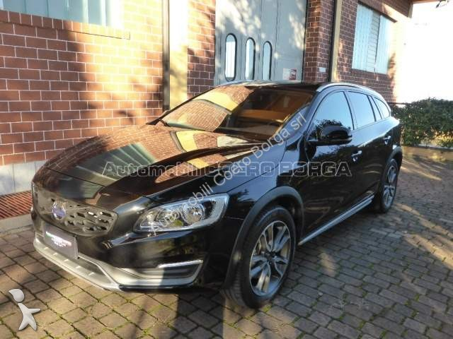voiture volvo break v60 cc cross country d3 geartronic business occasion n 1920285. Black Bedroom Furniture Sets. Home Design Ideas